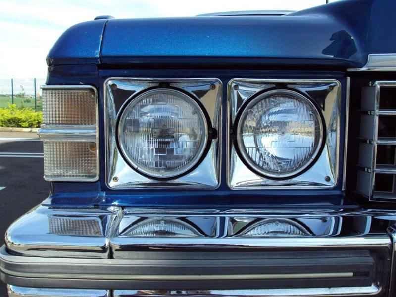 2005 1 - Cadillac de Ville 1974 V8 7.7L