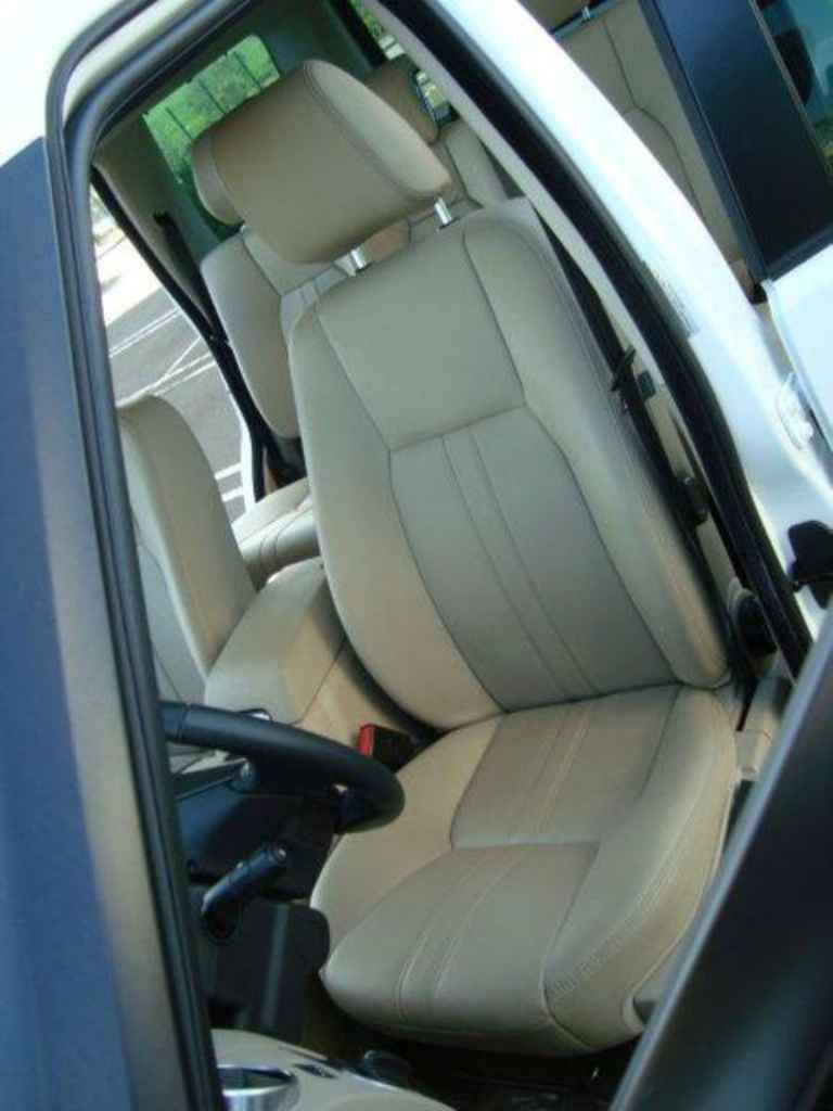 20072 1 - Land Rover Discovery 4