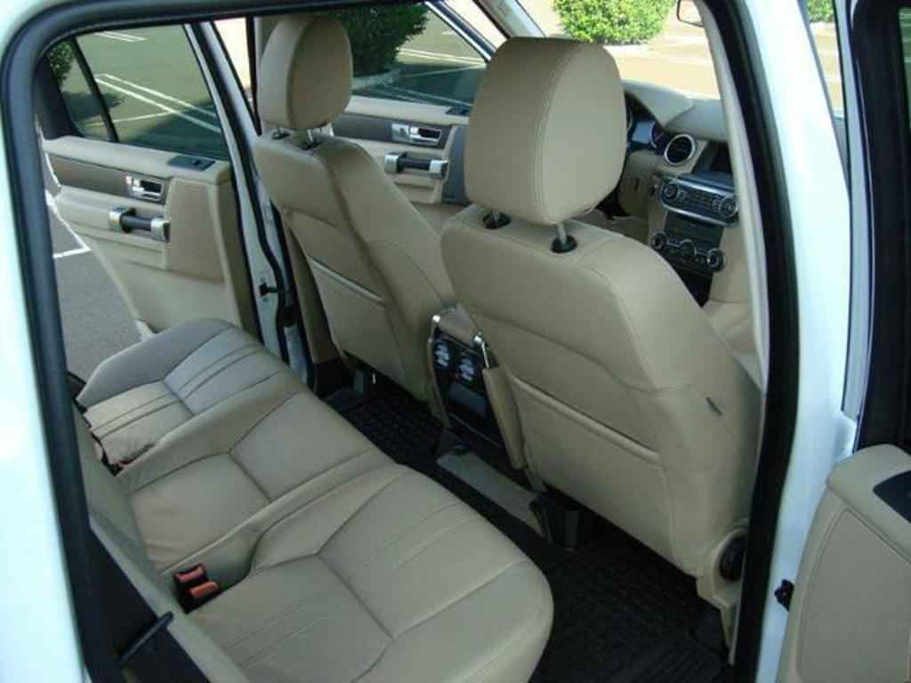 20073 1 - Land Rover Discovery 4