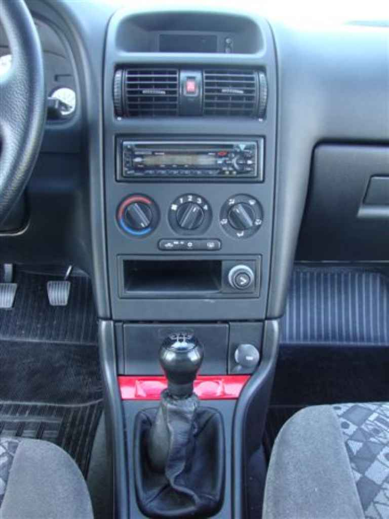 20192 - GM Astra Sport 2001