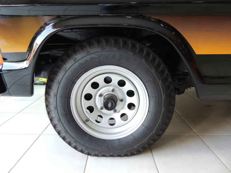2030 2 - Garagem Camionetes