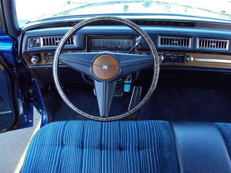 2036 1 - Cadillac de Ville 1974 V8 7.7L