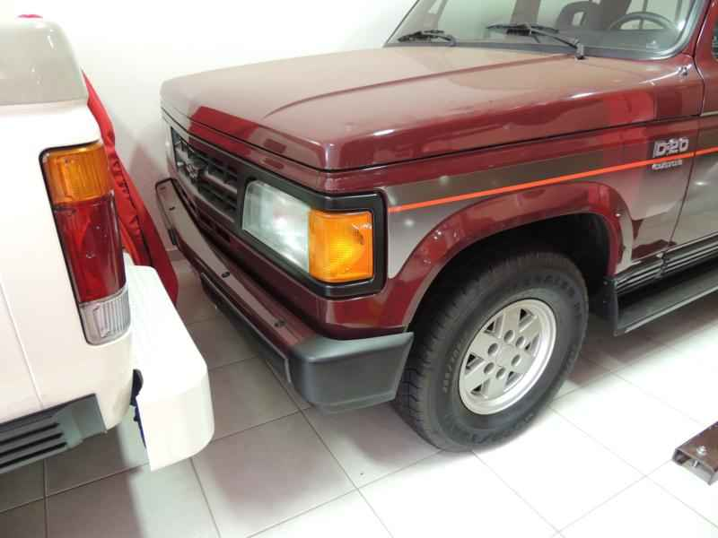 2043 2 - Garagem Camionetes