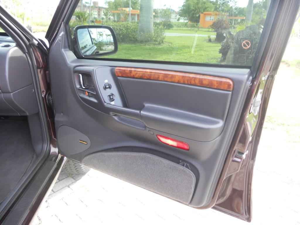 20453 1 - Jeep Grand Cherokee Limited 1996