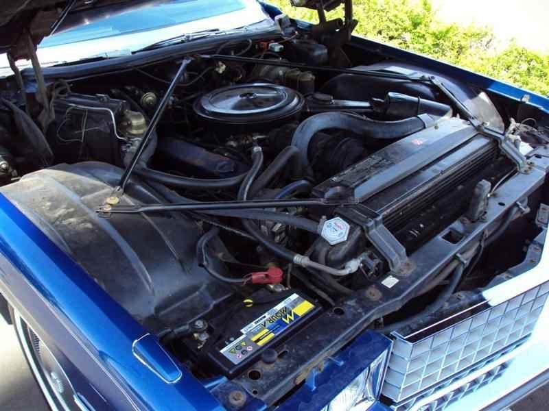 2050 1 - Cadillac de Ville 1974 V8 7.7L