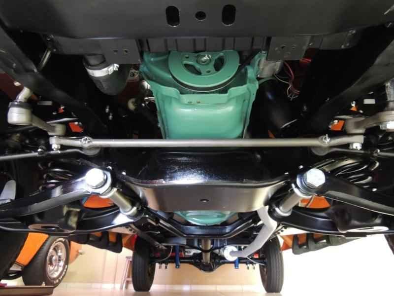 2052 2 - Garagem Camionetes