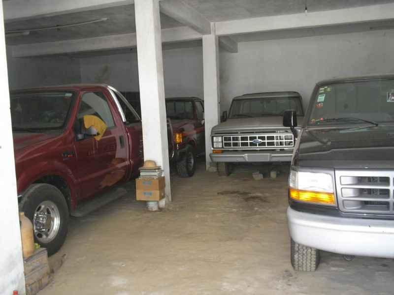 2068 2 - Garagem Ford e GM