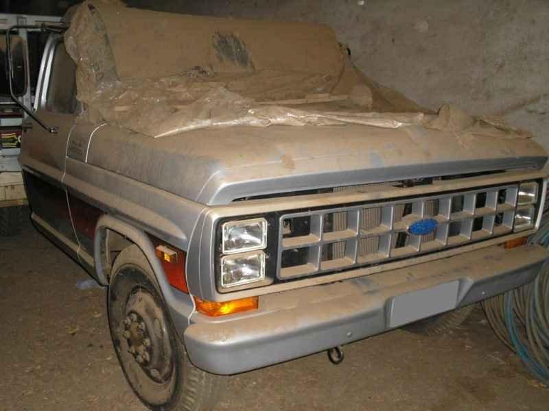 2074 2 - Garagem Ford e GM