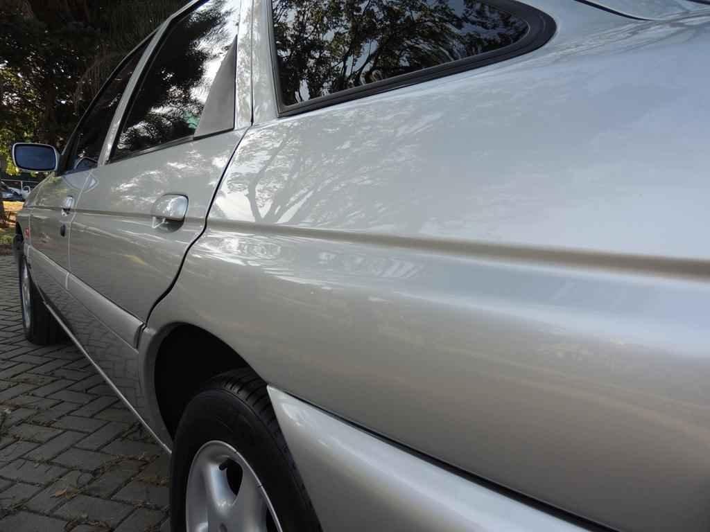 20972 1 - Escort GLX 1998