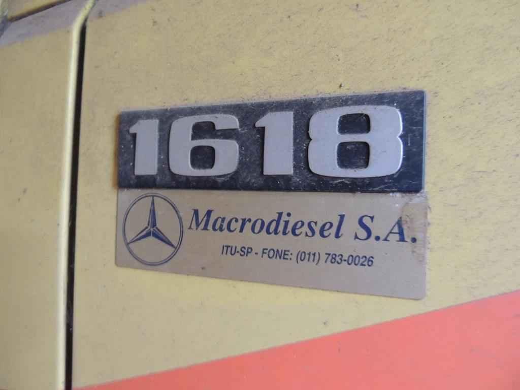 21085 - Mercedes Benz 1618 1995 com 551 km em 2015
