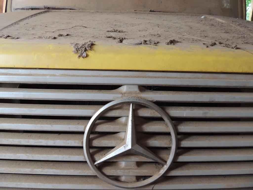 21104 - Mercedes Benz 1618 1995 com 551 km em 2015