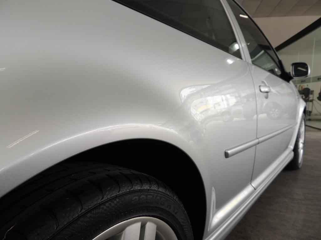 21418 - Golf GTI VR6 2003 19.000 km