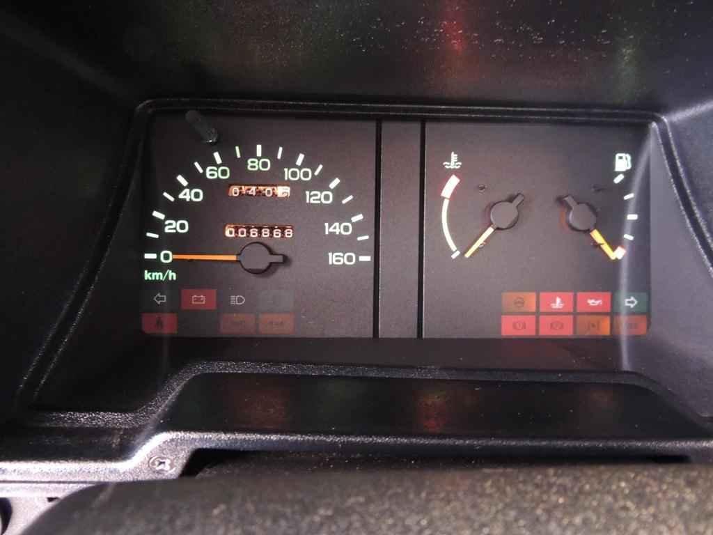 21745 - D20 1995 com 6.800 km