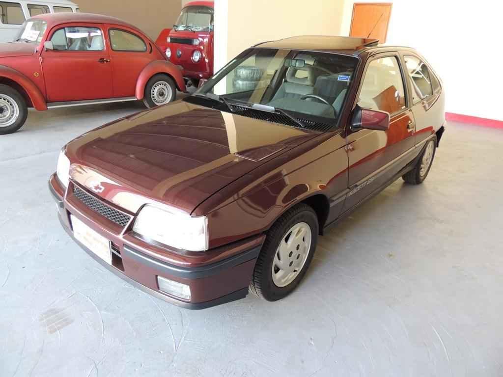 21807 - Kadett GSI 2.0 1992 com 8.000 km