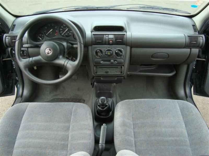 2196 1 - Corsa Sedan GLS 1997
