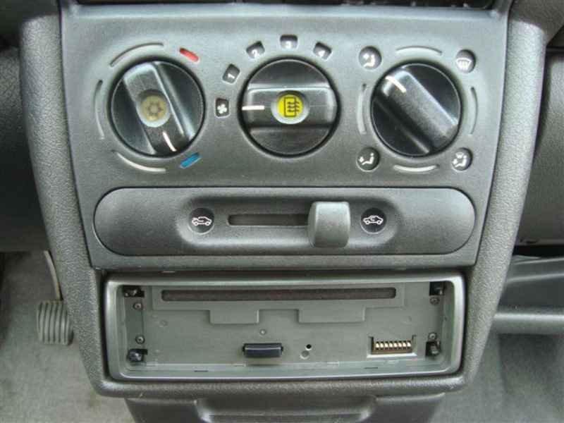 2200 1 - Corsa Sedan GLS 1997
