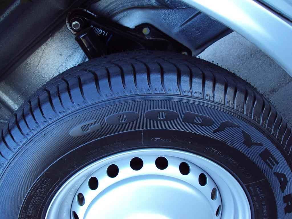 22959 - Kombi Serie Prata 2005 00013km