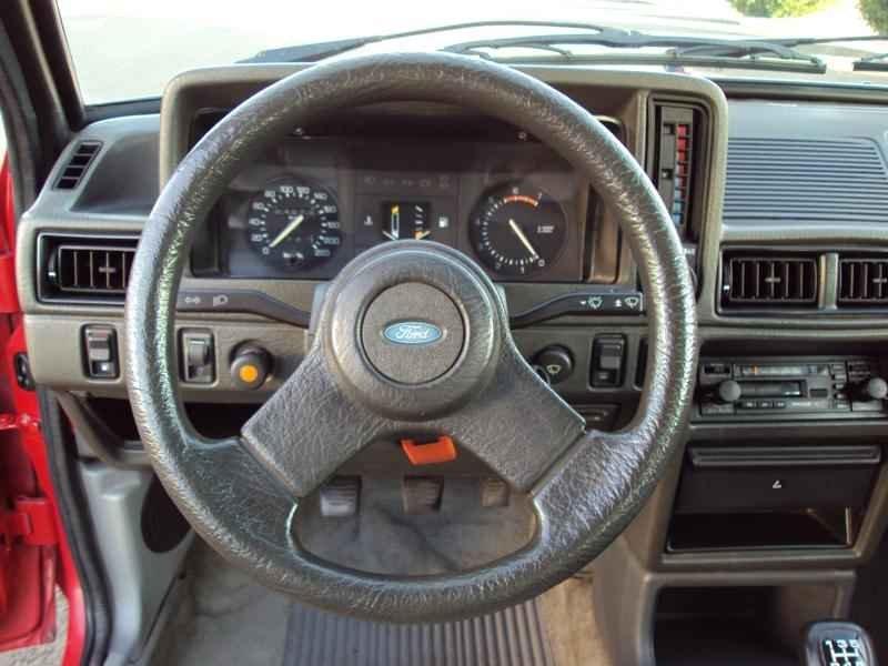 2307 2 - Escort XR3 1986 Conversivel