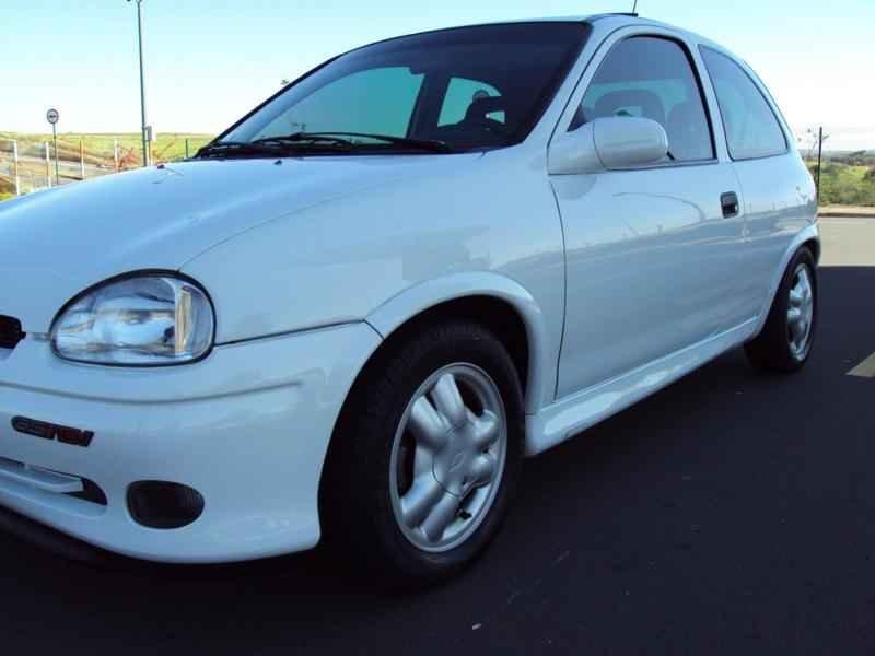 2390 1 - Corsa GSi 1996
