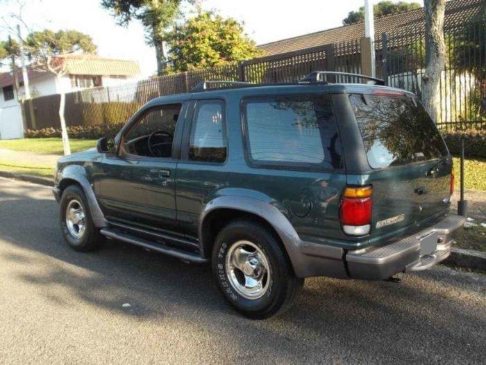 2401 1 700x525 - Ford Explorer