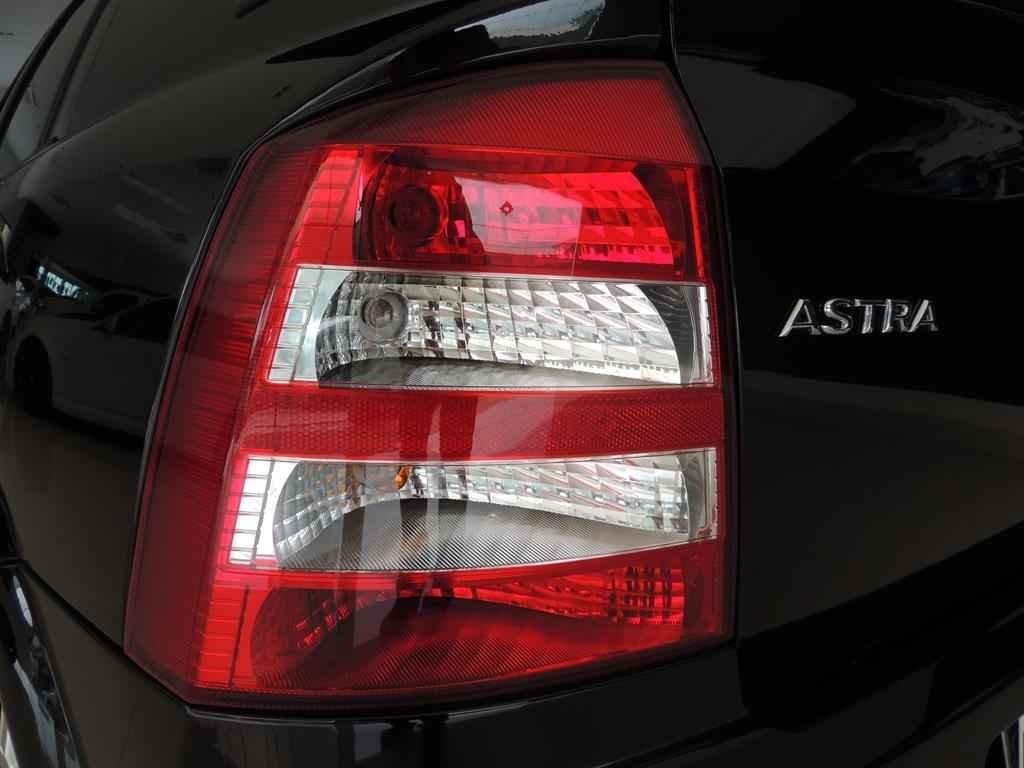 24015 - Astra Advantage 2011 - 2.000 km