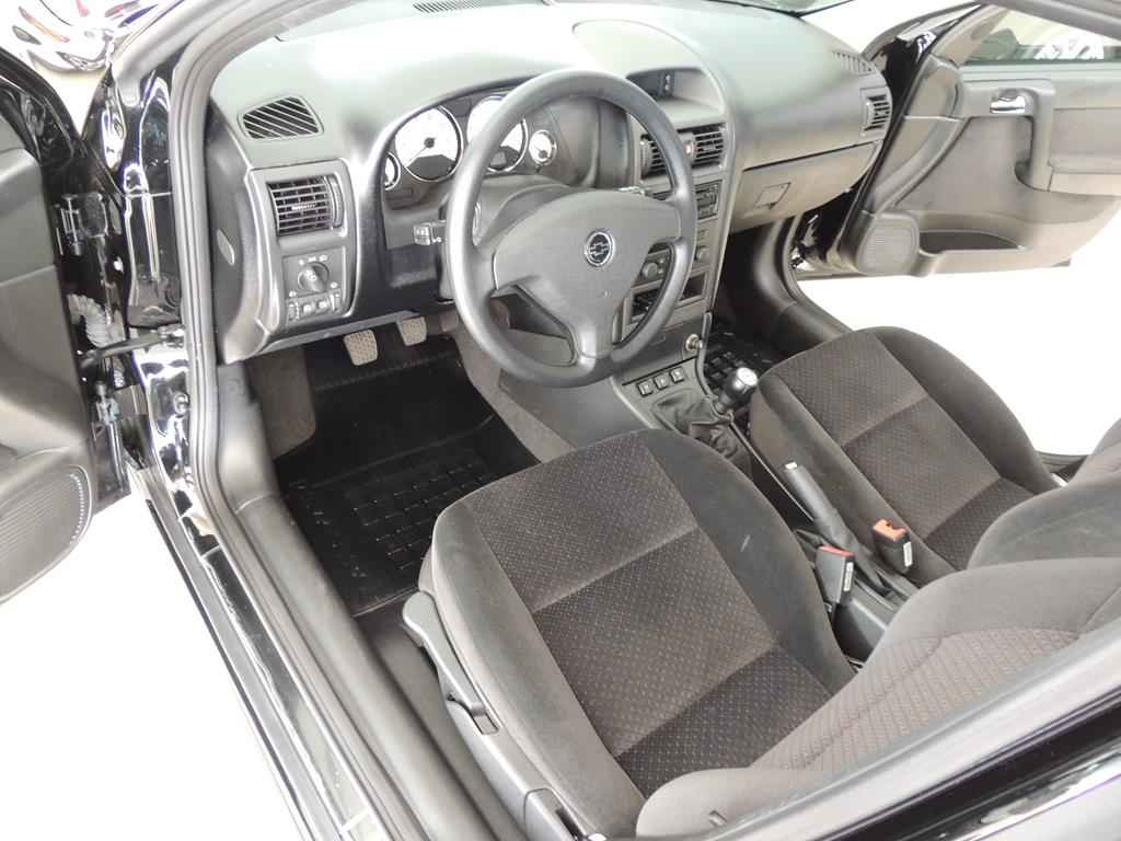 24041 - Astra Advantage 2011 - 2.000 km