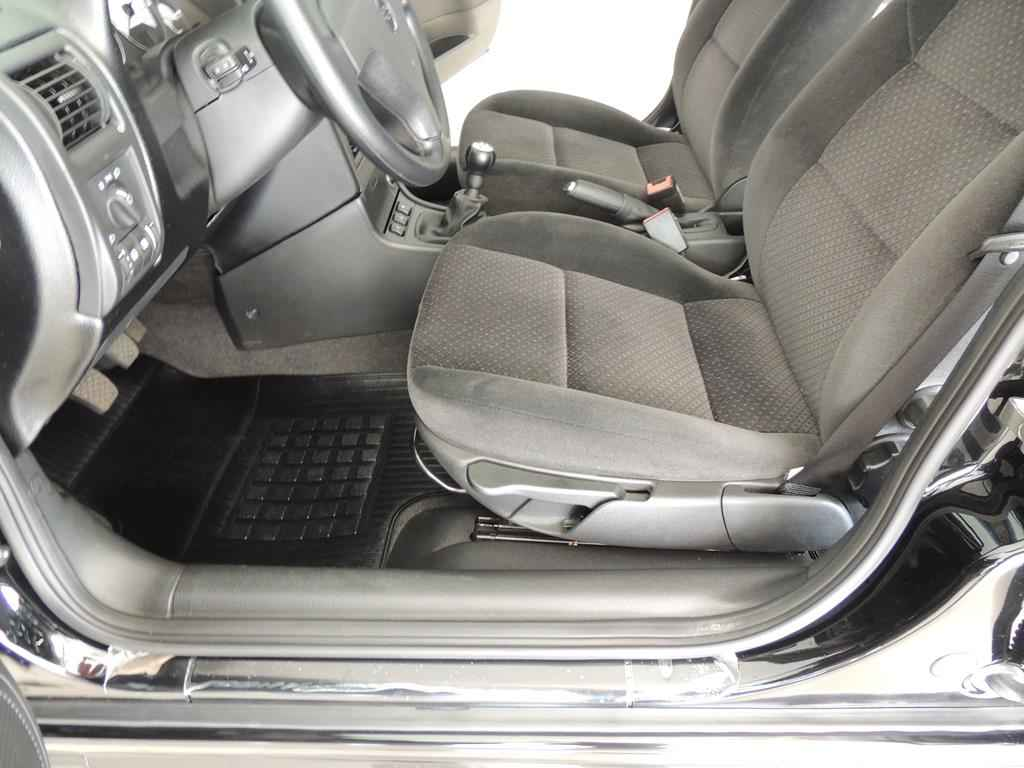 24049 - Astra Advantage 2011 - 2.000 km