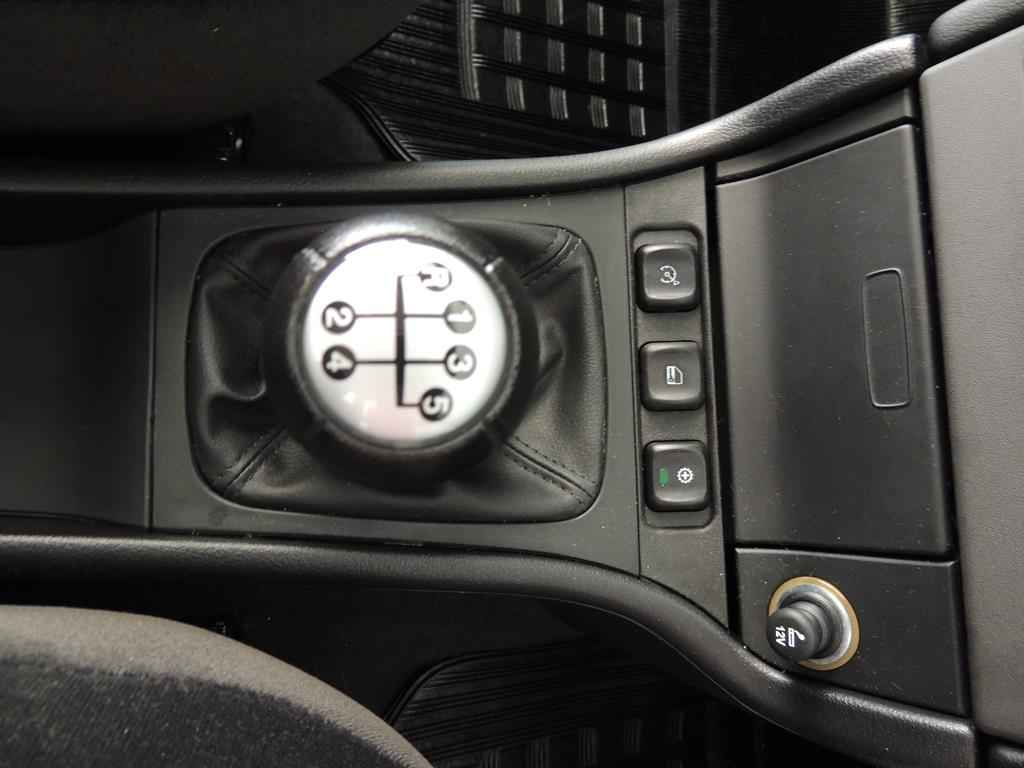 24064 - Astra Advantage 2011 - 2.000 km