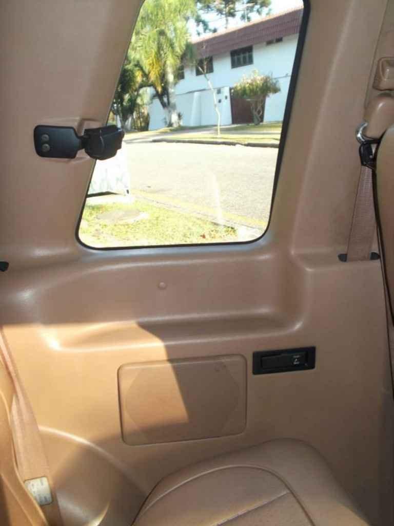 2422 - Ford Explorer
