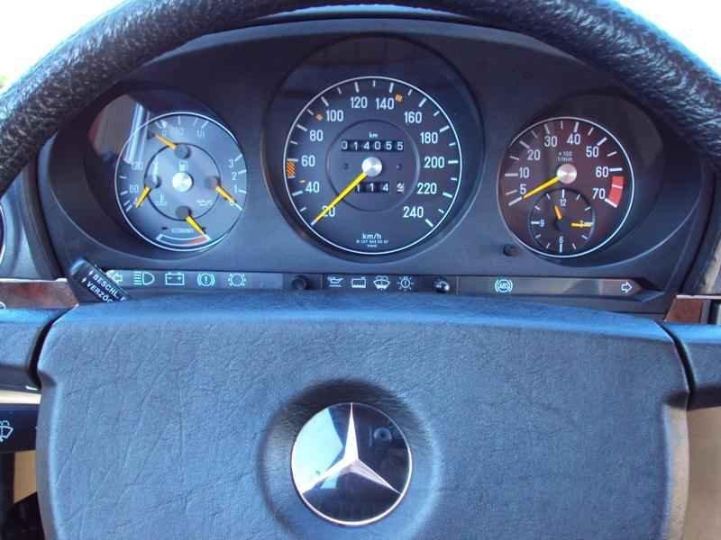 2625 3 - MB 300SL 1986 14.000km