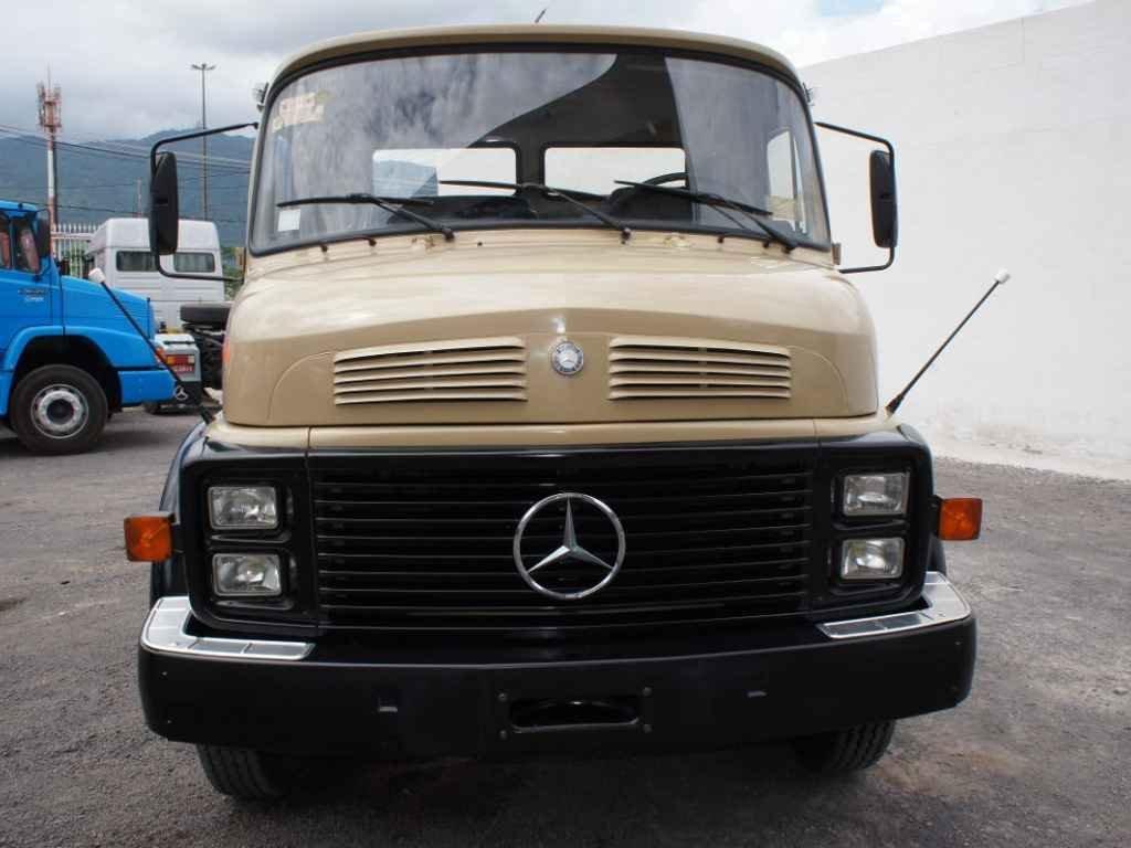 2777 - Mercedes Benz 1318 zero km em 2015