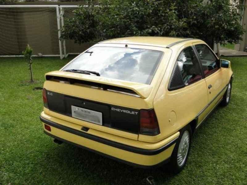 4646 - Kadett GS 1991