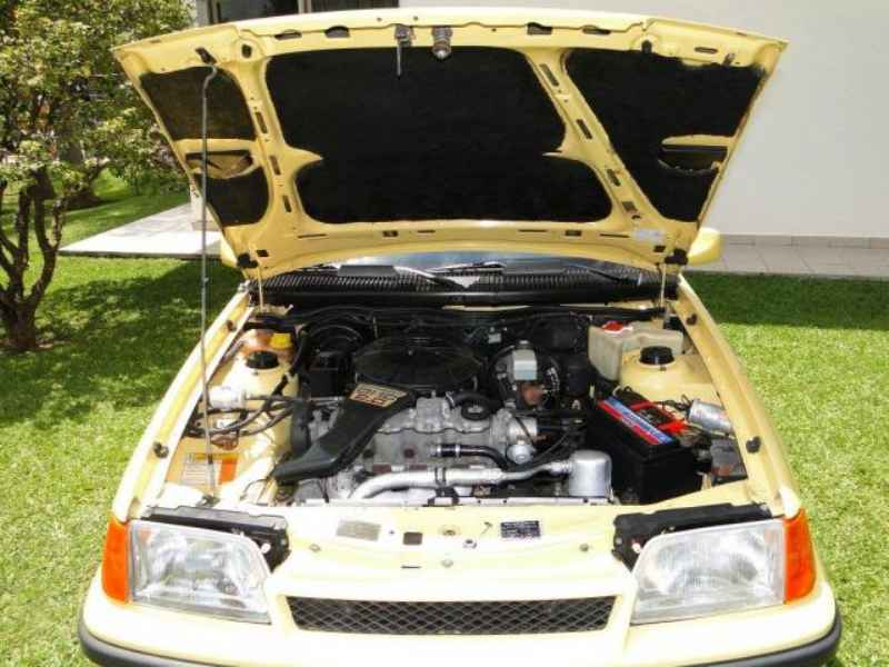 4653 - Kadett GS 1991