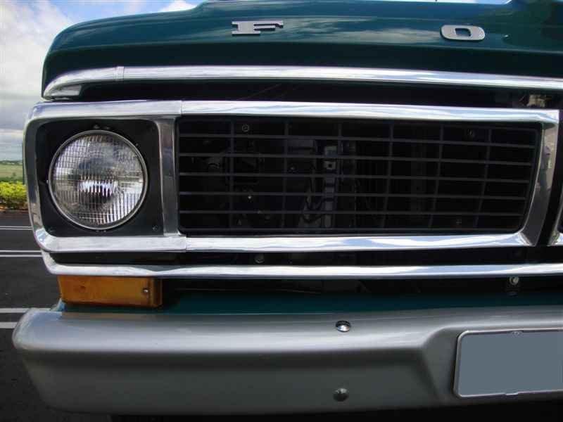 4921 - F-100 V8 1975