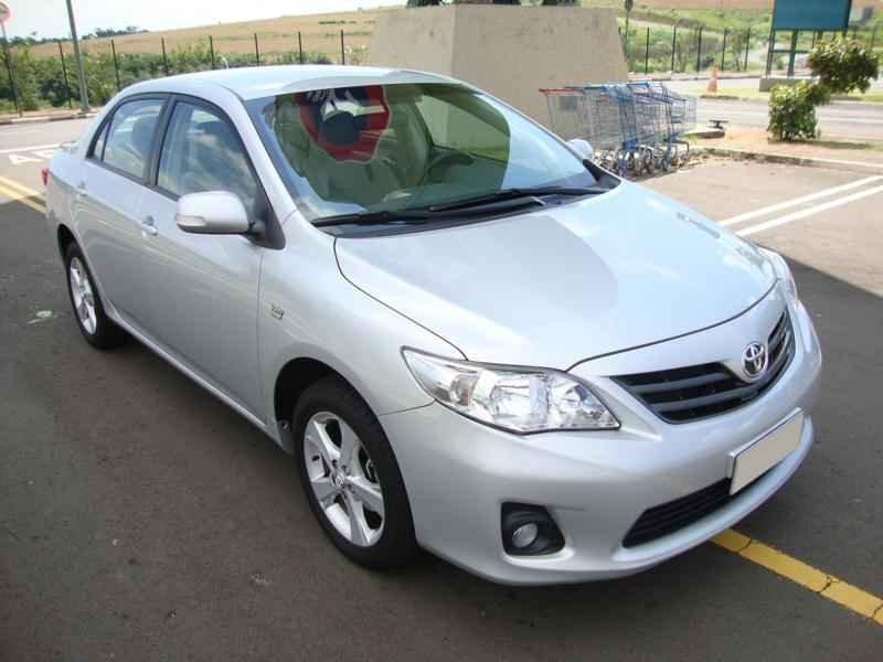 5758 - Corolla XEi 2012