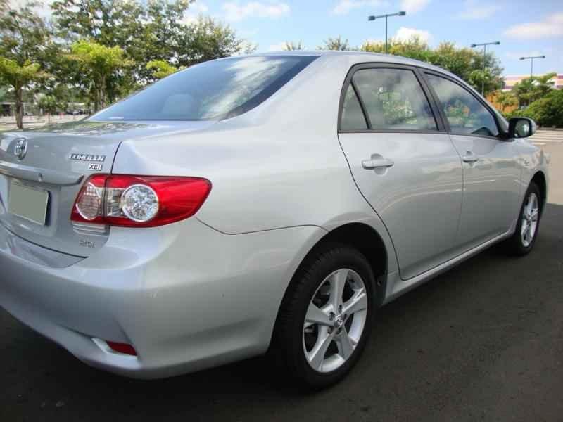 5769 - Corolla XEi 2012