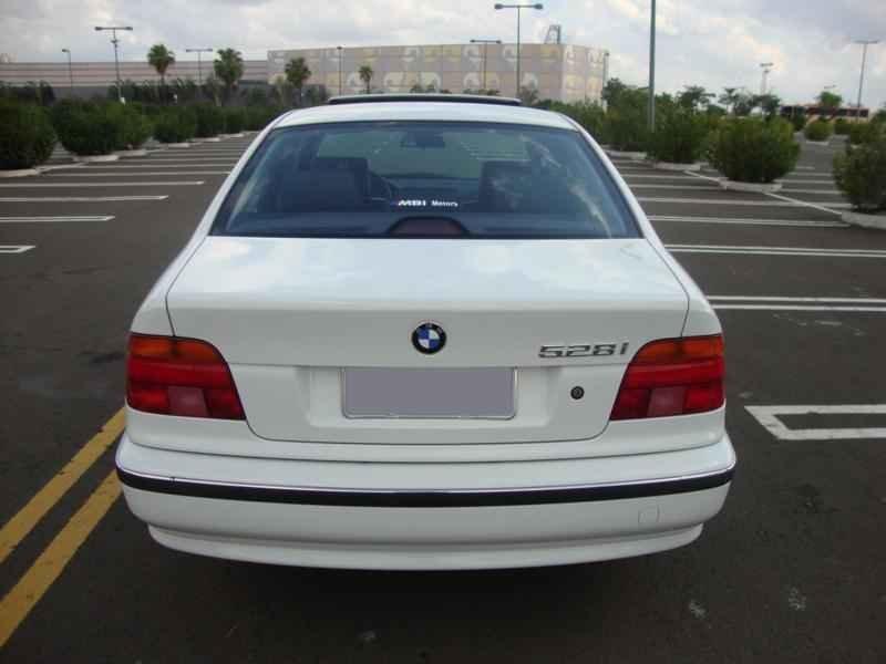 6119 - BMW 528i 1998