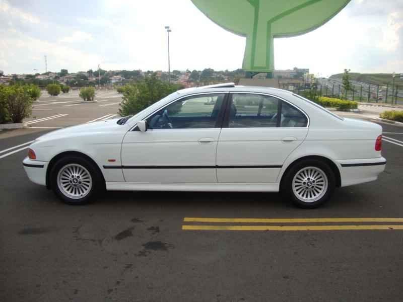 6121 - BMW 528i 1998