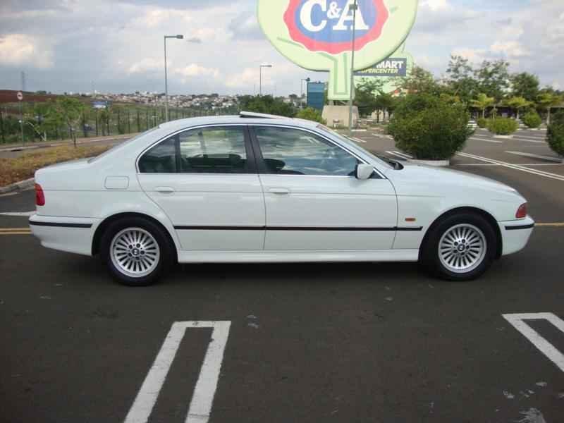 6122 - BMW 528i 1998