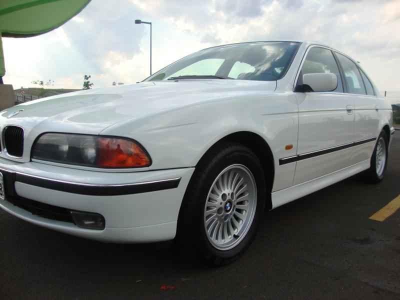 6124 - BMW 528i 1998
