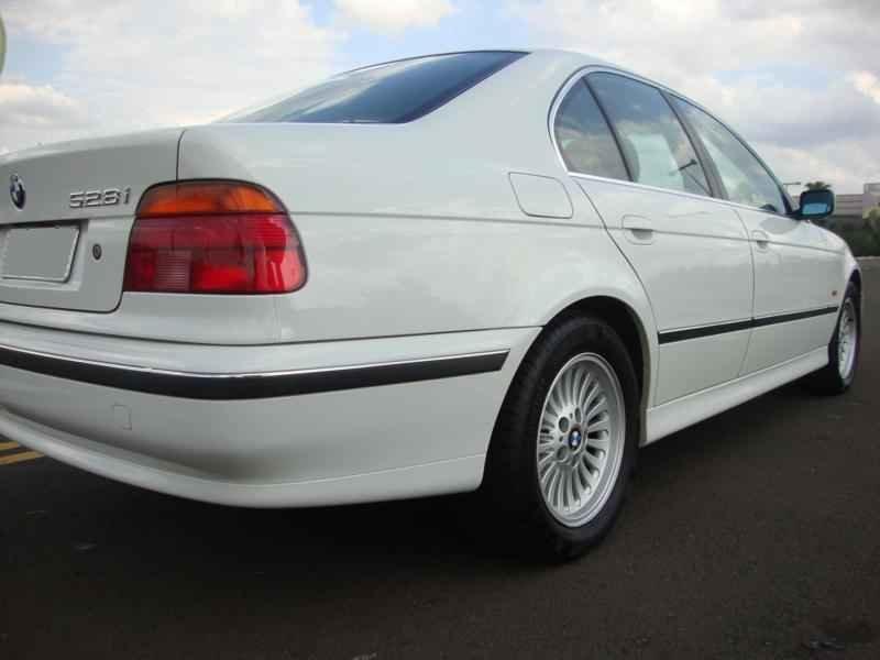 6126 - BMW 528i 1998