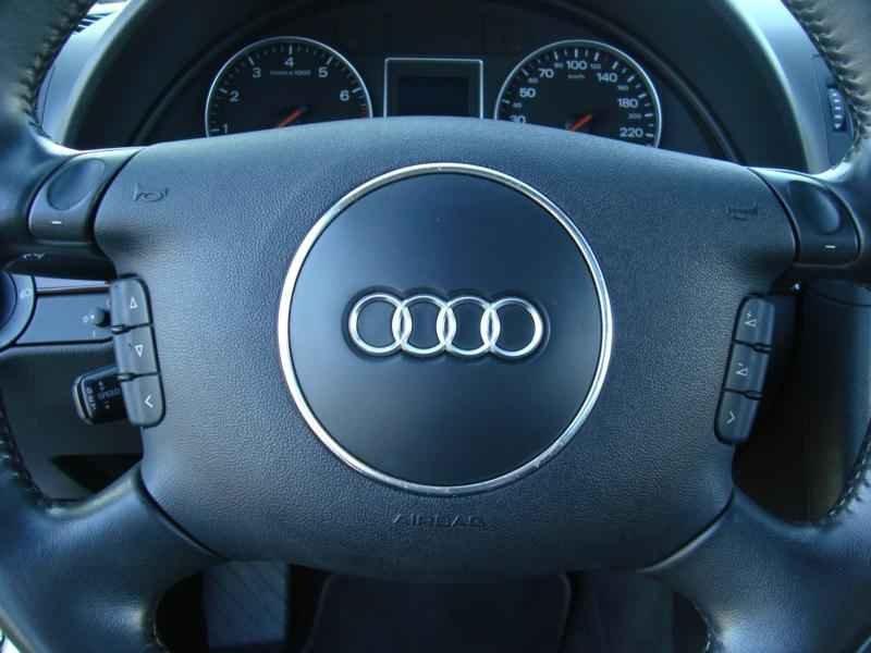 7856 - Audi Avant V6 3.0L  2003