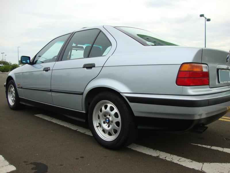 8049 - BMW 328i 1997  17.000km
