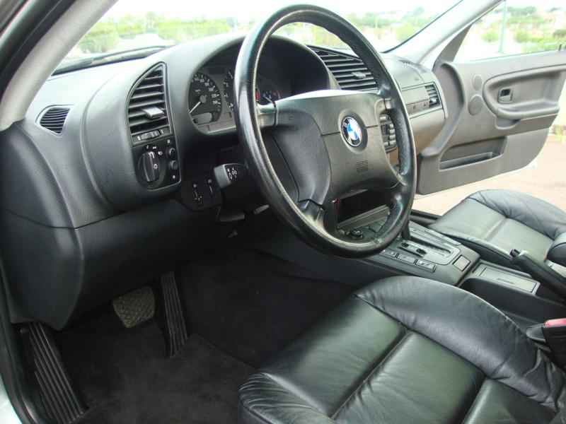 8068 - BMW 328i 1997  17.000km