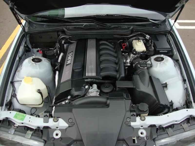 8090 - BMW 328i 1997  17.000km