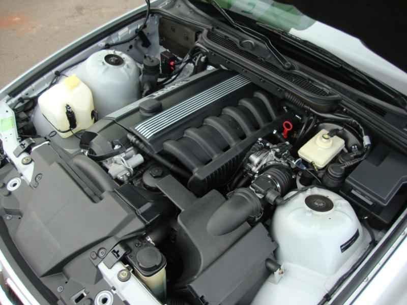 8092 - BMW 328i 1997  17.000km