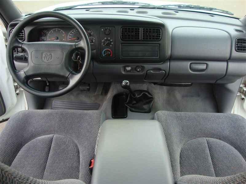 8141 - Dakota Sport V6 1999