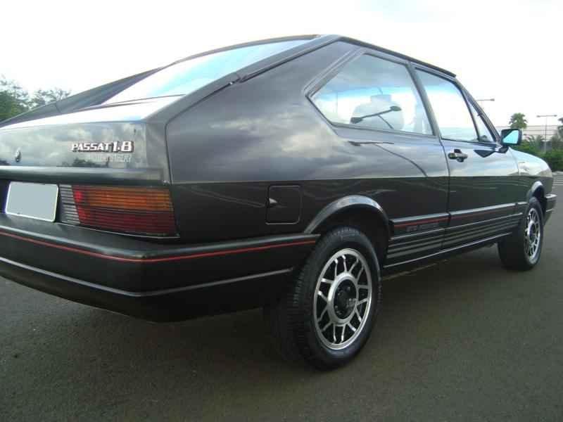 8243 - Passat Pointer 1988