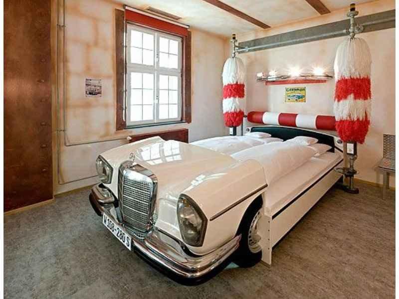 859 - Hotel V8