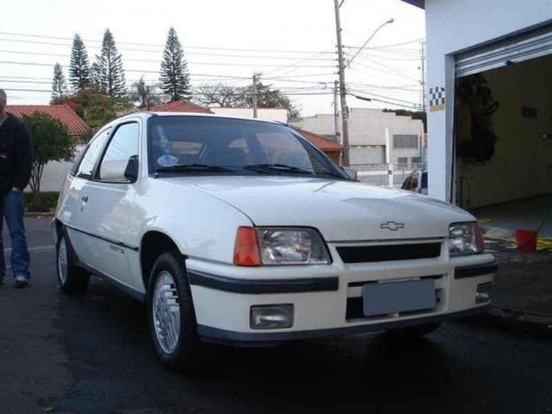 8688 - Kadett GS 1989 10.000km